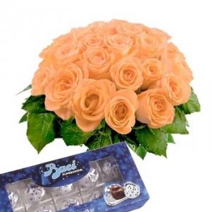 Bouquet con rose arancio e baci