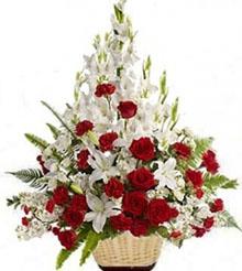 Composizione fiori in cesto