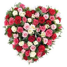 Cuore con rose colorate